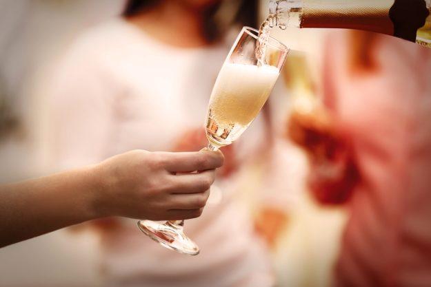 Champagner-Tasting Hamburg – Champagner einschenken