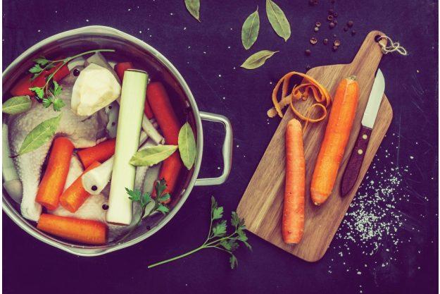 Saucen-Kochkurs Neumünster – eine Brühe kochen