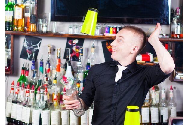 Weihnachtsfeier mit Cocktailkurs Hamburg - Bar Künstler