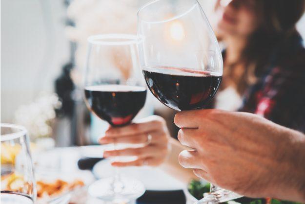 Weinprobe Hamburg – mit Rotwein anstossen