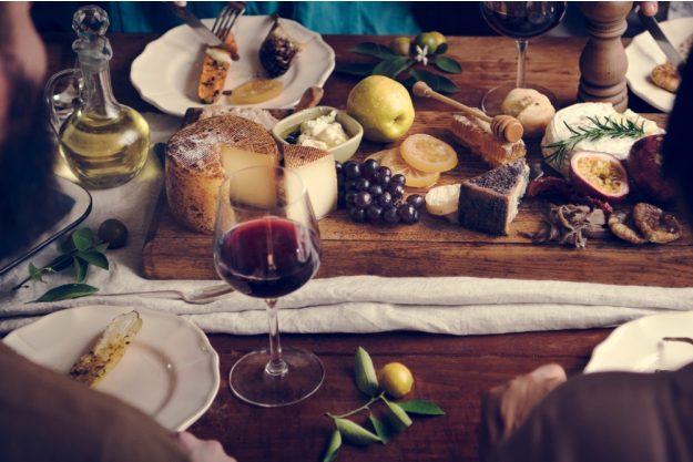Weinseminar Hamburg - Rotwein und Käse Auswahl