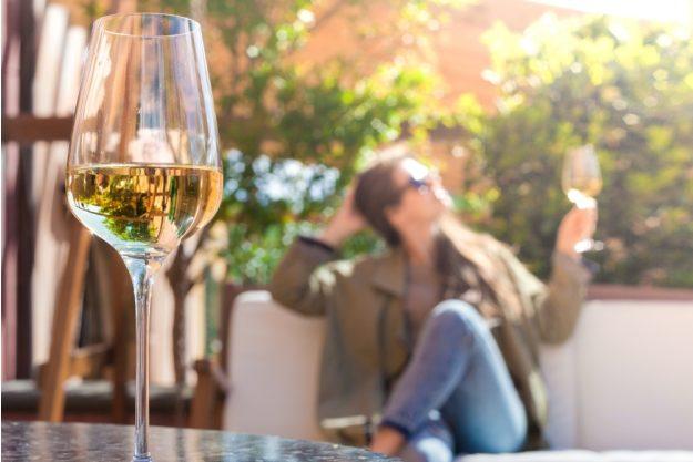 Weinseminar Hamburg – auf der Terrasse Wein trinken