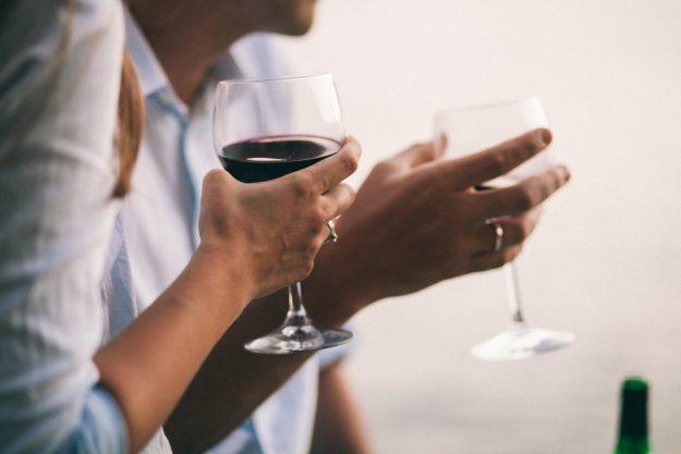 Weinseminar Hamburg - zusammen Wein trinken