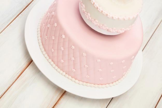 Tortendekoration Dormagen – Torte mit Fondant belegen