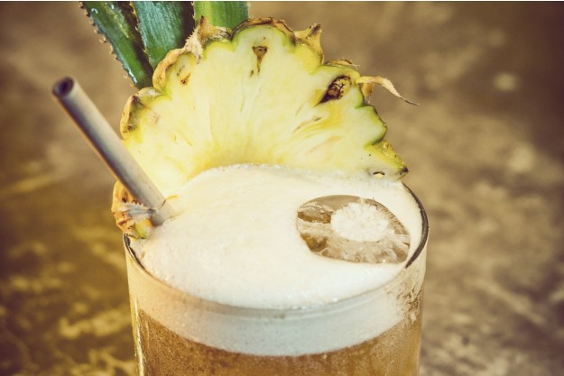 Rum-Tasting Köln – Pina Colada dekoriert mit Ananas