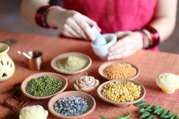 Ayurveda-workshop-koeln-heilende-Gewürze-zubereiten