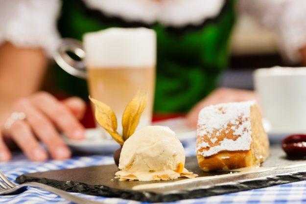 Bavarian cooking class München - apple pie