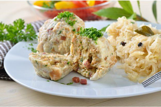 Bavarian cooking class München - dumplings