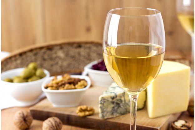 Betriebsausflug Regensburg mit Weinprobe - Weißwein und Fingerfood