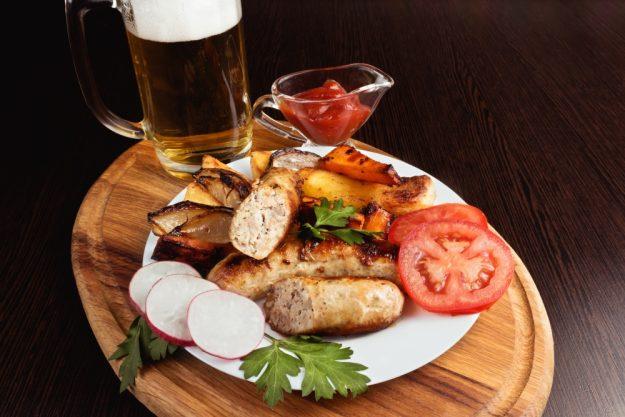 Bierkochkurs in Muenchen – belegter Teller mit Bier