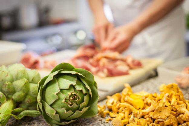 Firmenfeier mit Küchenparty in Köln - Fleisch und Artischocken