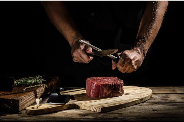 Fleisch-Kochkurs Stuttgart - Messer wetzen
