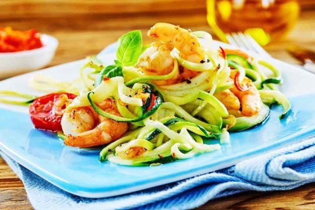 gesunder-kochkurs-stuttgart-zucchininudeln-seafood