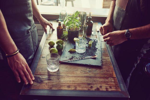 Gin-Tasting Frankfurt-Hofheim – Vorbereitungen für die Gin-Verkostung