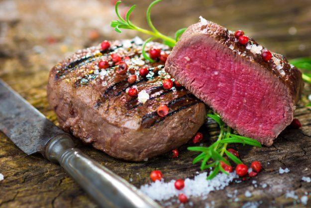 Teambuilding Steak & Bier-Kochkurs München - Steak mit rotem Pfeffer