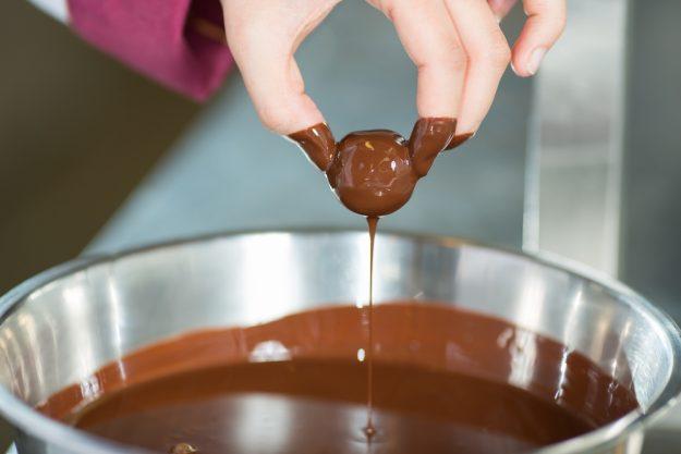 JGA mit Pralinenkurs Dresden – flüssige Schokolade