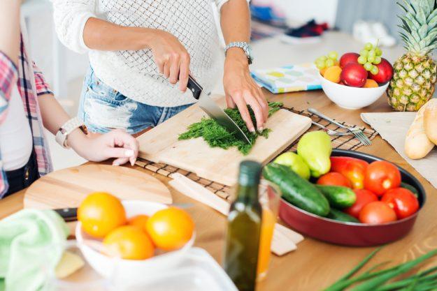 Junggesellenabschied mit Kochkurs  – Gemüse schnippeln