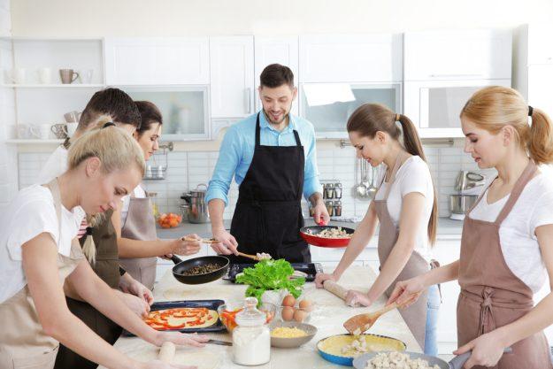 Junggesellenabschied mit Kochkurs  – in der Kochschule