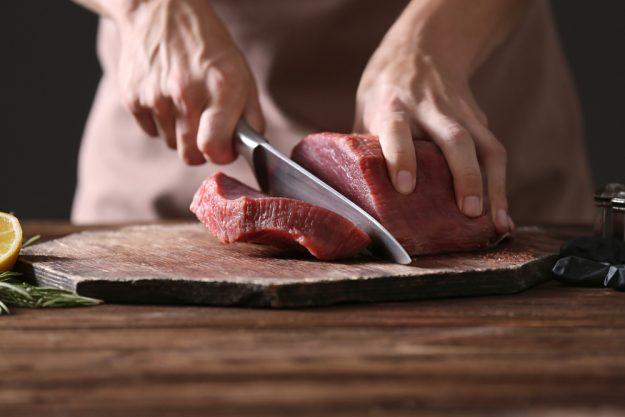 Kochkurs bei Hermannsdorfer in München (Glonn) –Fleisch schneiden