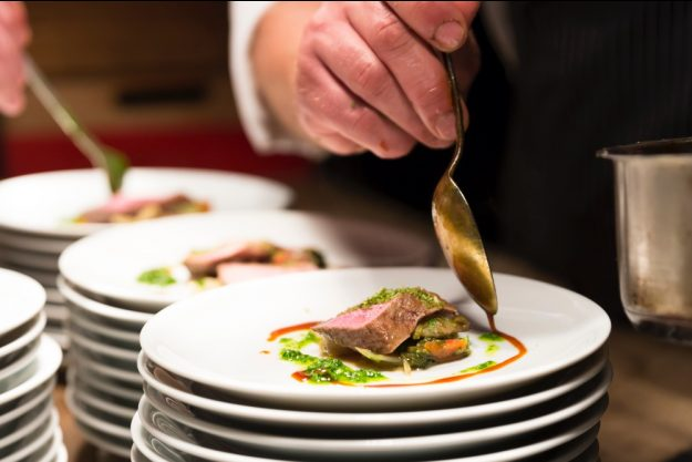 Kochkurs bei Herrmannsdorfer Glonn – Teller anrichten