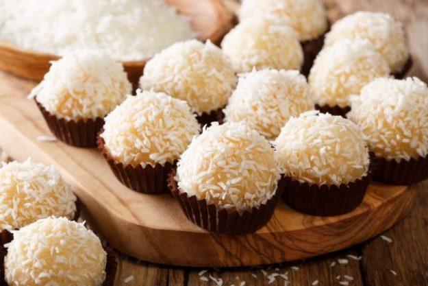 Kochkurs für Singles Berlin – Brasilianische Kokosbällchen