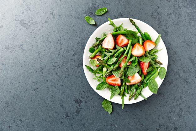 Kochkurs Schwerte – Erdbeer-Spargel-Salat