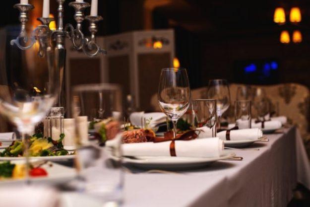 Krimi & Dinner Berlin - Wein, Essen und Schauspiel