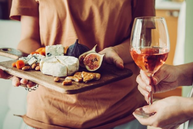 Kulinarische Stadtführung Düsseldorf – Käse und Wein in Bilk