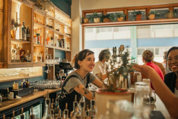 Kulinarische Stadtführung Frankfurt – Aperitif in der Bar