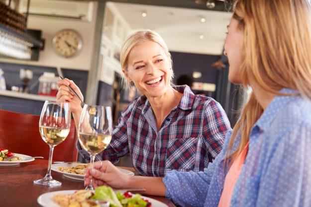 Mädels-Kochkurs Rheurdt – Frauen unterhalten sich