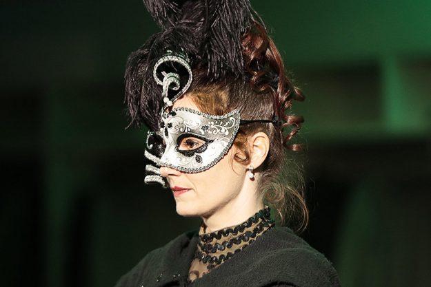 Krimidinner in Muenchen -Maskendame