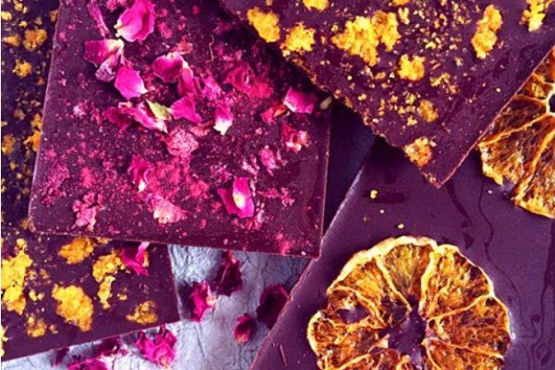 Schokolade macht glücklich –Schokolade mit Früchten