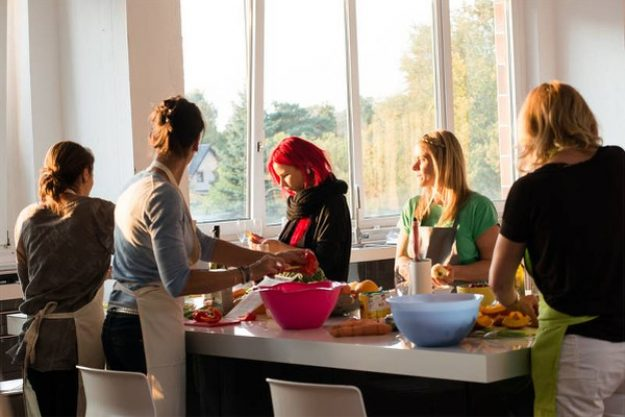 weihnachtlicher Kochkurs Berlin - Freunde kochen am Abend