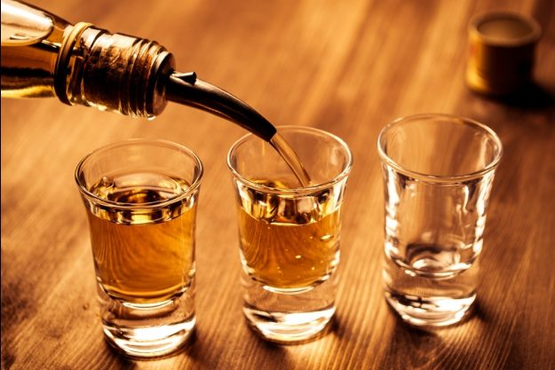 Spirituosen-Tasting Berlin – Schnaps einschenken