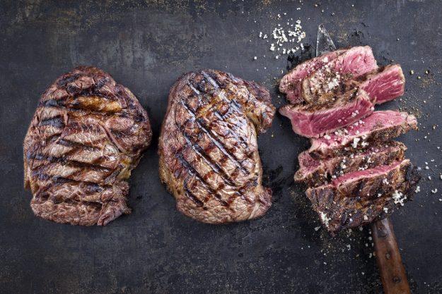 Grillkurs-Landshut-aufgeschnittenes-Steak