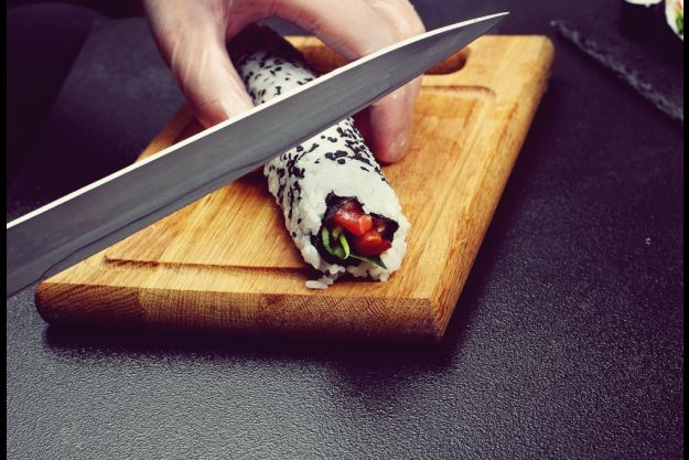 Sushi-Kochkurs Schwerte – Sushi schneiden