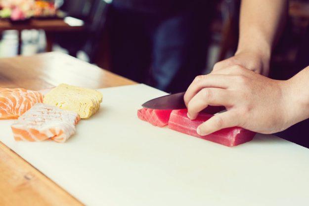 Sushi-Kochkurs Wuppertal – Lachs schneiden