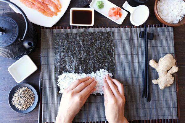 Sushi-Kurs-Fortgeschrittene-Bonn – Sushi rollen