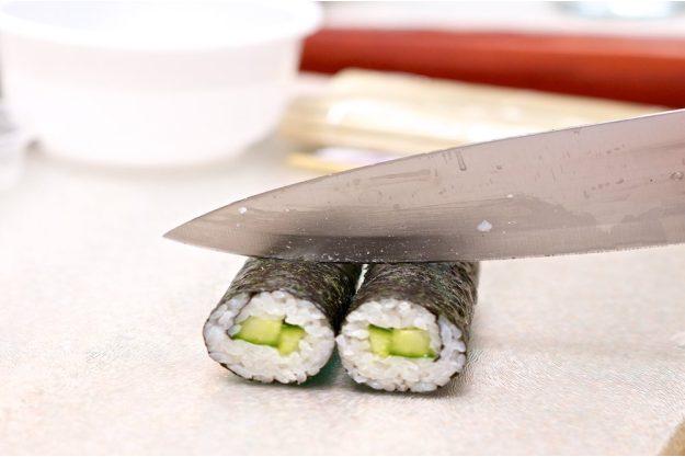 Sushi-Kurs-Bonn – Rollen schneiden