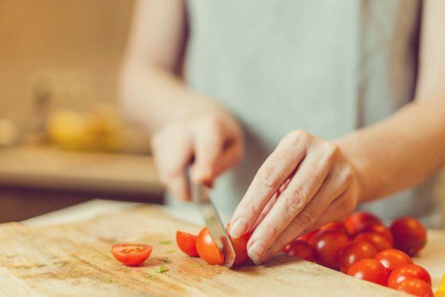 Tapas-Kochkurs-Stuttgart – Tomaten schneiden