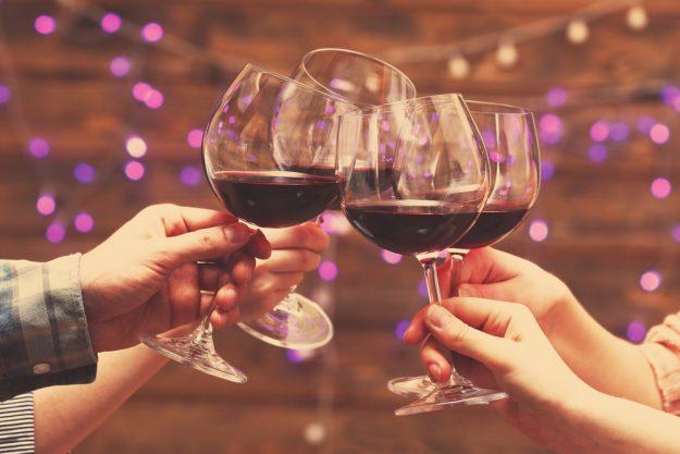 Teambuilding Augsburg – mit Wein anstoßen