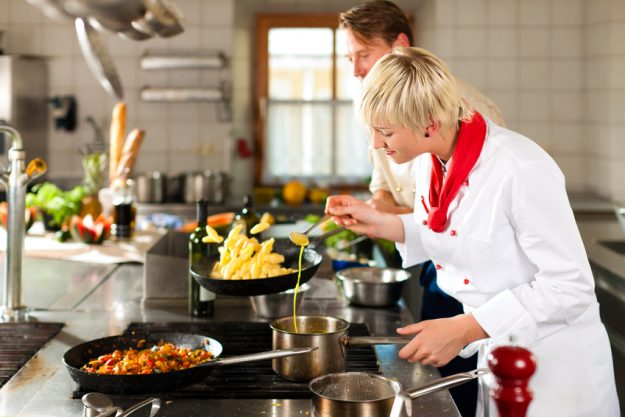 Teambuilding-Kochkurs Hamburg - Kochen beim Chef
