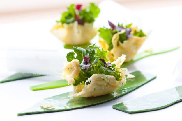 Teambuilding München mit Küchenparty - Salat im Teigmantel
