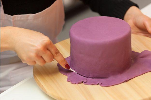 Tortenkurs Frankfurt – Torte mit Fondant eindecken