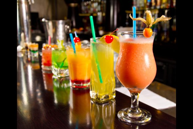 Weihnachtsfeier mit Cocktailkurs Hamburg - verschiedene Cocktails
