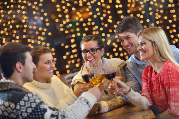 Weihnachtsfeier Stuttgart - Glühwein trinken