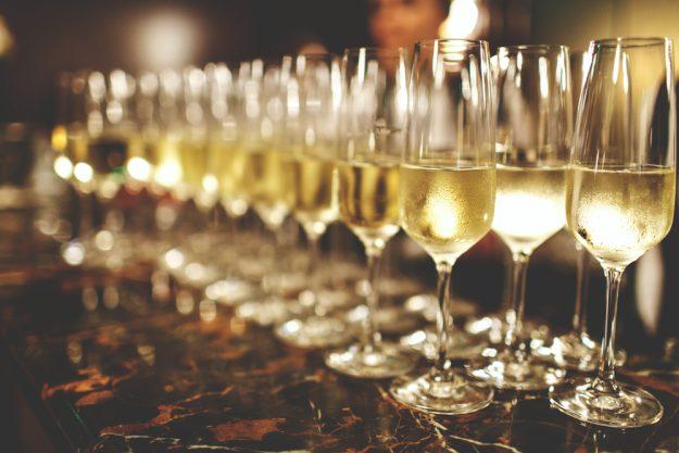 Weinprobe Augsburg – Cremant in Gläsern