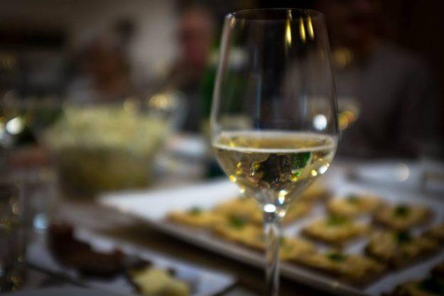Weinprobe Berlin – Weisswein und Buffet