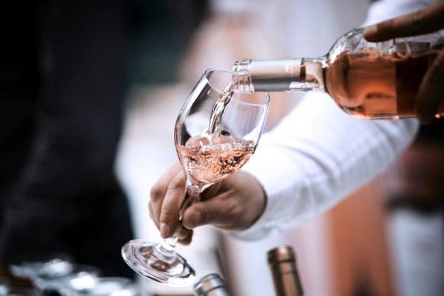 Weinprobe Hamburg – Rose eingießen