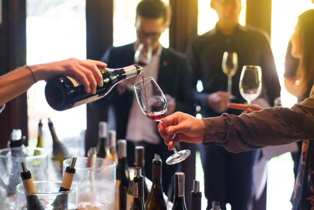 Weinseminar Hamburg - Wein degustieren